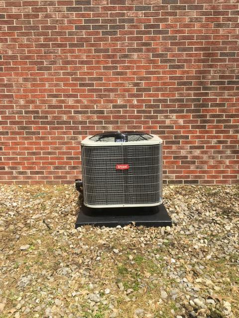 Bowling Green, KY - A New Bryant Heat Pump to replace the twenty year old Bryant Heat Pump that the homeowner was looking at a major repair to fix an R22 refrigerant leak.  The 10 Years Parts Warranty, better reliability, lower electric bills, and quieter operation make the new Bryant Heat Pump worth it.  Scottish Manor Subdivision of Bowling Green, KY, close to Hunters Crossing.