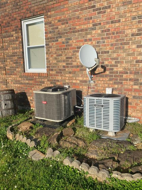 Alvaton, KY - New Bryant Heat Pump replacing one of the relatively new Ameristar Heat Pump s that was on this house.  Getting the Air Conditioning back going and having less AC Repairs was the most important thing to this Bowling Green, KY Homeowner.  Energy Efficiency, Warranty, and ComfortPASS maintenance.