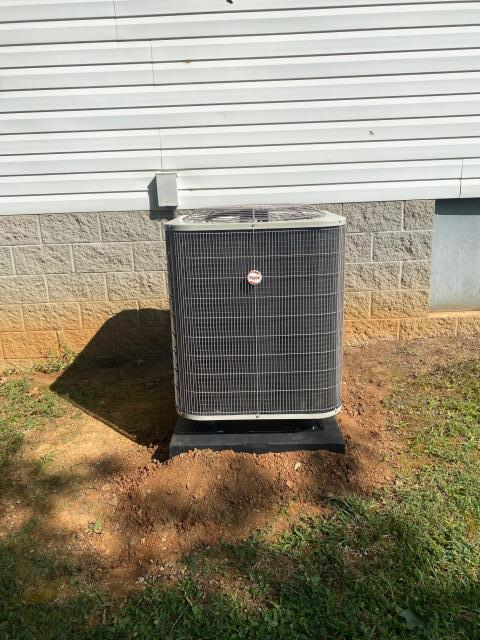 Bowling Green, KY - The old Nutone Heat Pump was replaced with new a Payne Heat Pump.  Up and running, attic install so an early start to the day to beat the heat.  Air Conditioning Bowling Green, KY.