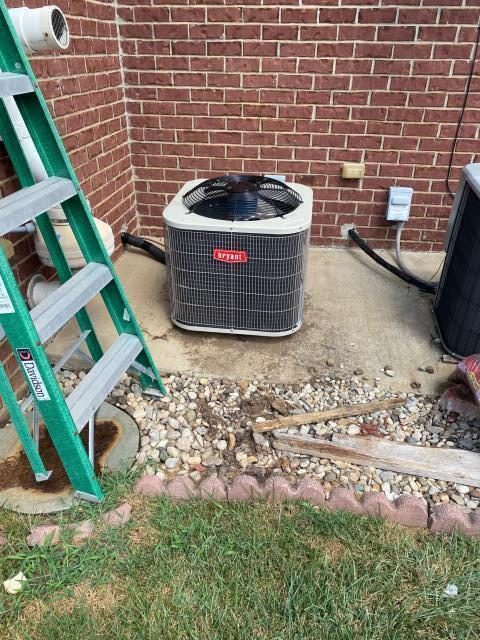 Bowling Green, KY - A new Bryant air conditioner installed in Sutherland Farms Subdivision, Bowling Green, KY.  Back to cooling, lower utility bills, and years of trouble free service is what it is about while air conditioning Bowling Green, KY in 2021.