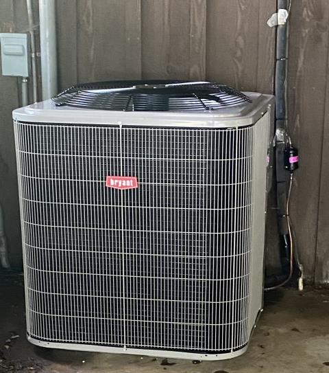 Bowling Green, KY - Bryant 116BNA042 air conditioner replacing an older Lennox air conditioner, newer refrigerant (R410A vs R22), better efficiency, and years of trouble free service!  Gra-Tac is Air Conditioning Bowling Green KY since 1976!