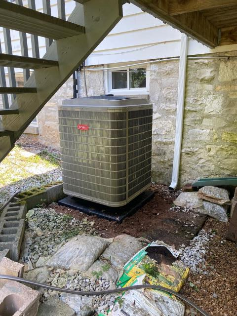 Bowling Green, KY - New Bryant Heat Pump, 284 Evolution Extreme replaced a 22 year old Coleman 12 SEER heat pump (DRHS series Coleman).  Got rid of the R22 refrigerant, almost doubled the efficiency, and years of trouble free service.  Air Conditioning Bowling Green, KY in 2021!
