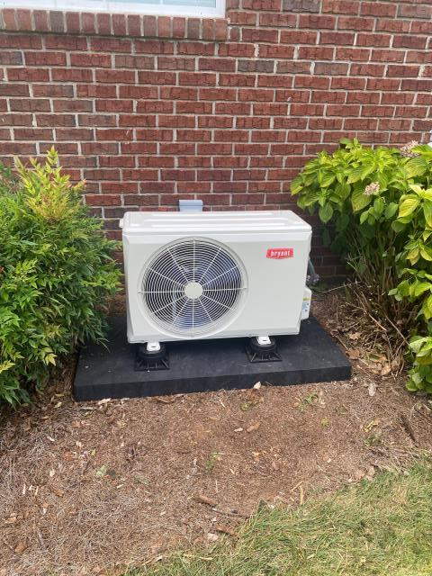 Bowling Green, KY - Bryant Ductless Heat Pump restoring a bonus room / office to 72 degrees with a cool breeze!  The old Mitsubishi Mini Split needed replaced, the Bryant Mini Split was selected for it's performance, reliability, tax credit, and many years of trouble free operation.  Crossridge Neighborhood.  Air Conditioning Bowling Green, KY in 2021!