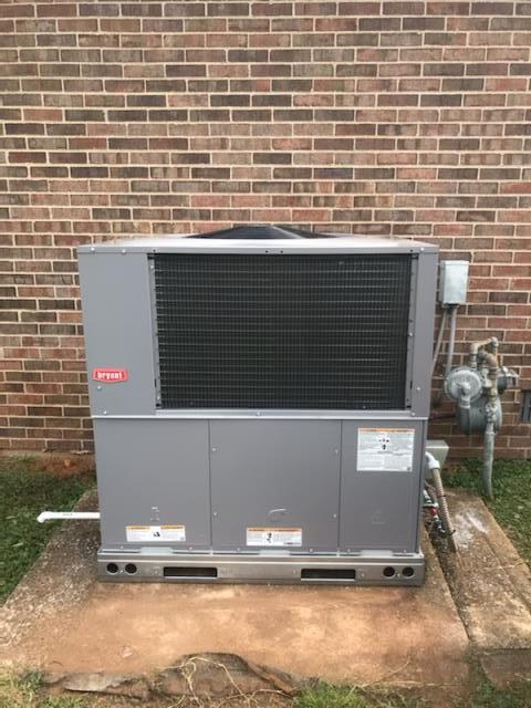 Bowling Green, KY - When the compressor goes out in an old Rheem Gas Package Unit, you look for a new more efficient hvac system to heat and cool your home as well or better than your last one.  Looking for more efficient, quieter, better comfort, and years of trouble free service... this homeowner found a Bryant Gas Package Unit that fits the bill.  Briarwood Neighborhood.  Air Conditioning Bowling Green, KY in 2021.