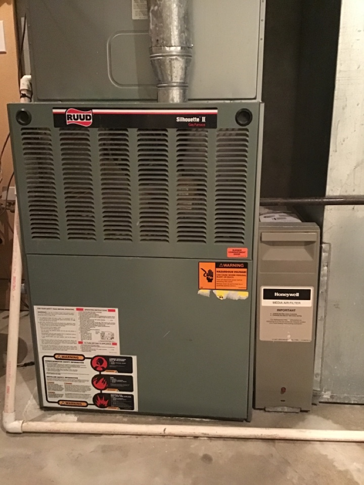 Lafayette, CO - Furnace Tuneup on a RUUD system.