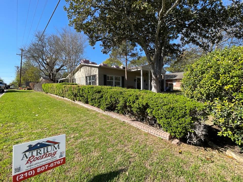 San Antonio, TX - Atrium Roofing, Roof Replacement,SanAntonio, Local Company, Platinum Contractor , BBBA+, TX 78209