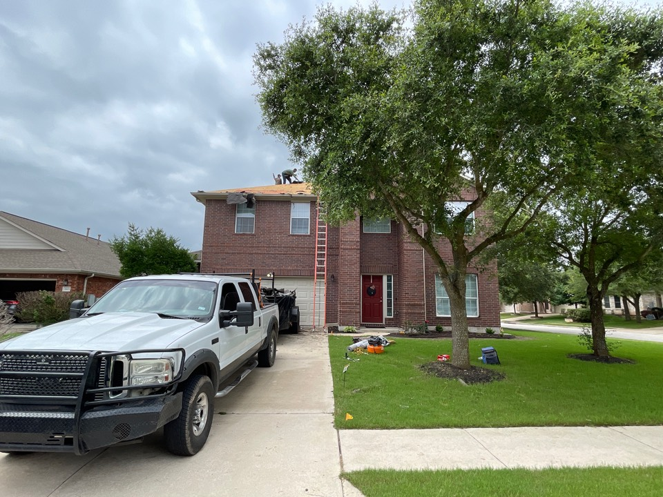 Pflugerville, TX - Atrium Roofing, Roof Replacement,, Local Company, Platinum Contractor , BBBA+, TX 78660