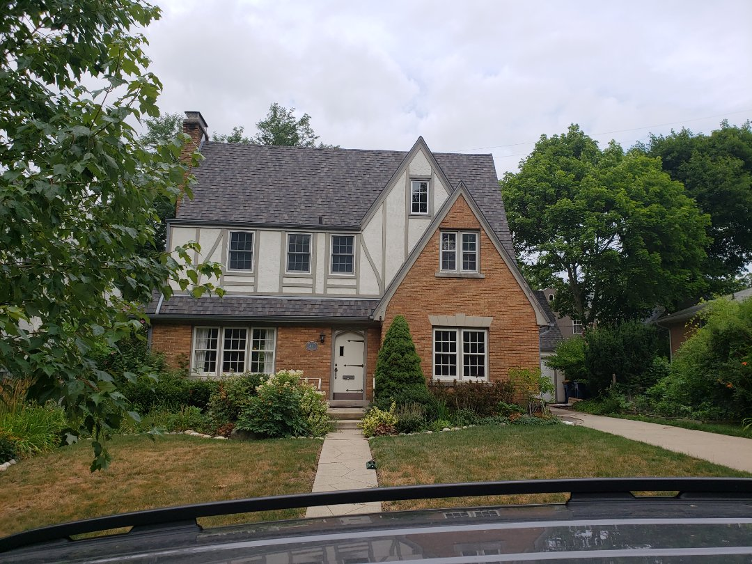 Grand Rapids, MI - East Grand Rapids is full of beautiful older homes with drafty, ugly, single pane windows. Glassblock is the perfect solution! This homeowner is in need of 6 Glassblock windows.
