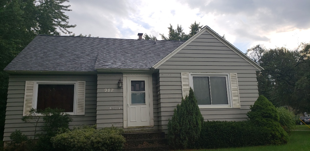 Holland, MI - Just moved in! Needs to be more bedrooms. Egress window systems are the answer!