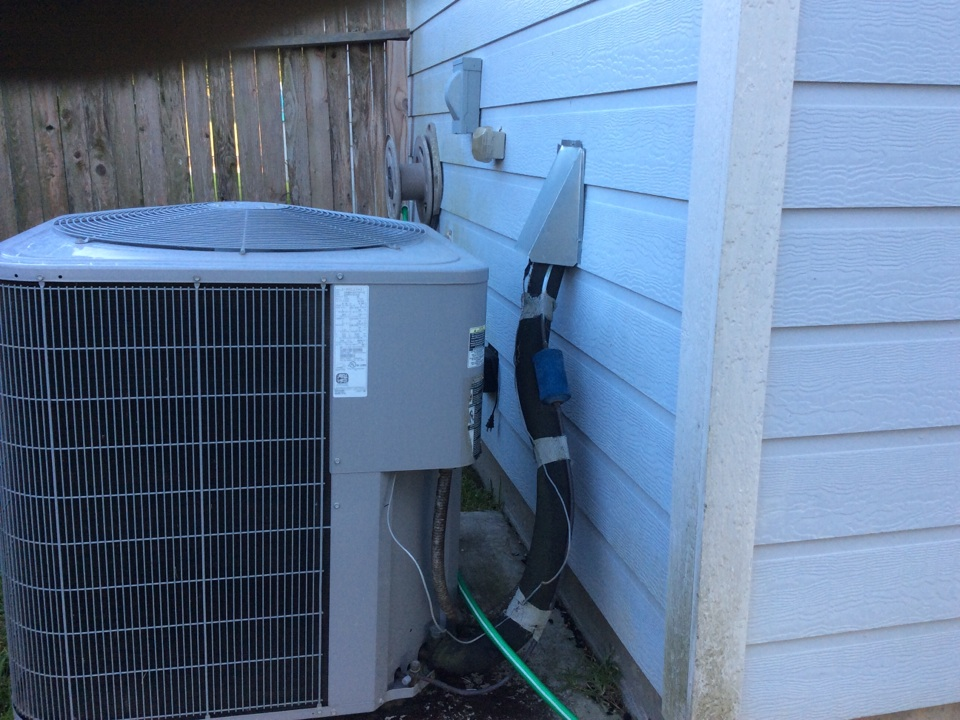 Conroe, TX - Carrier air conditioning control problems rodents