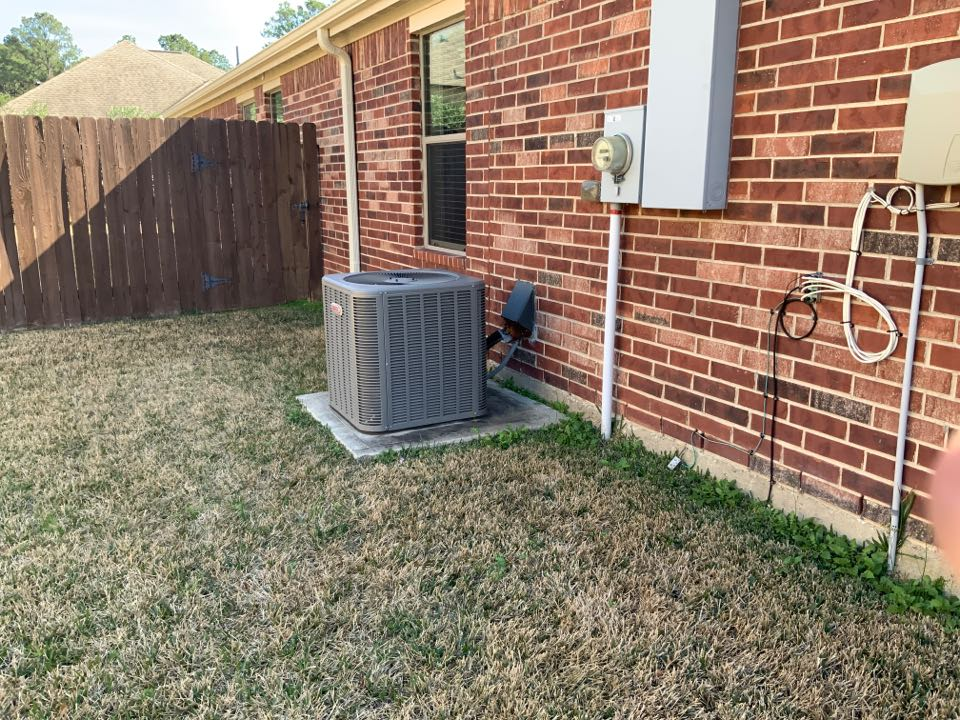 Lennox air conditioning repair in Tomball