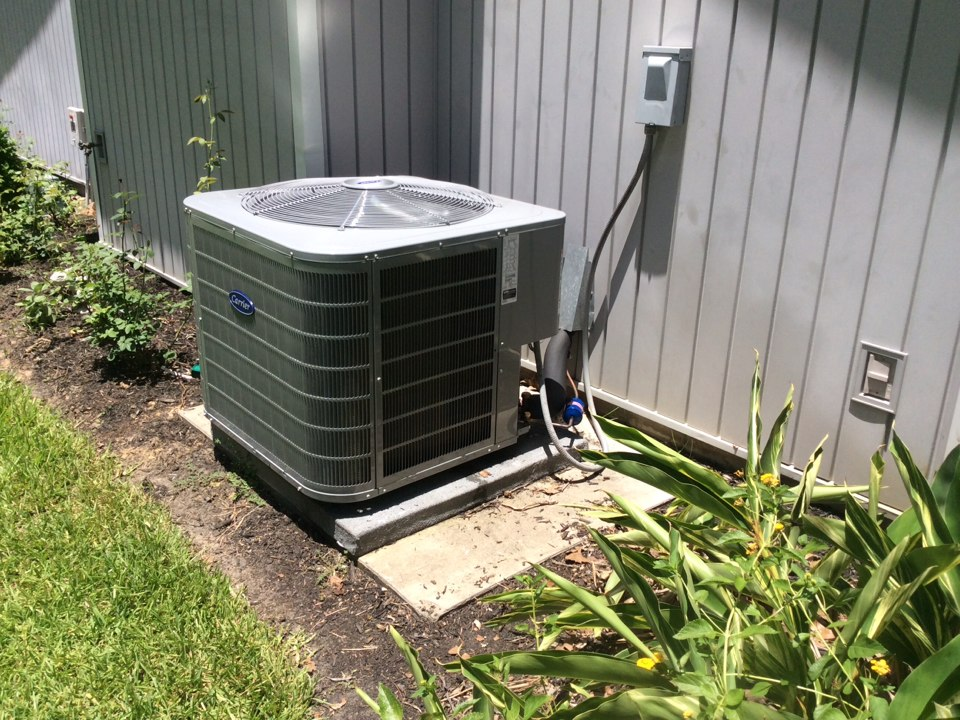 Magnolia, TX - Carrier air conditioning installation