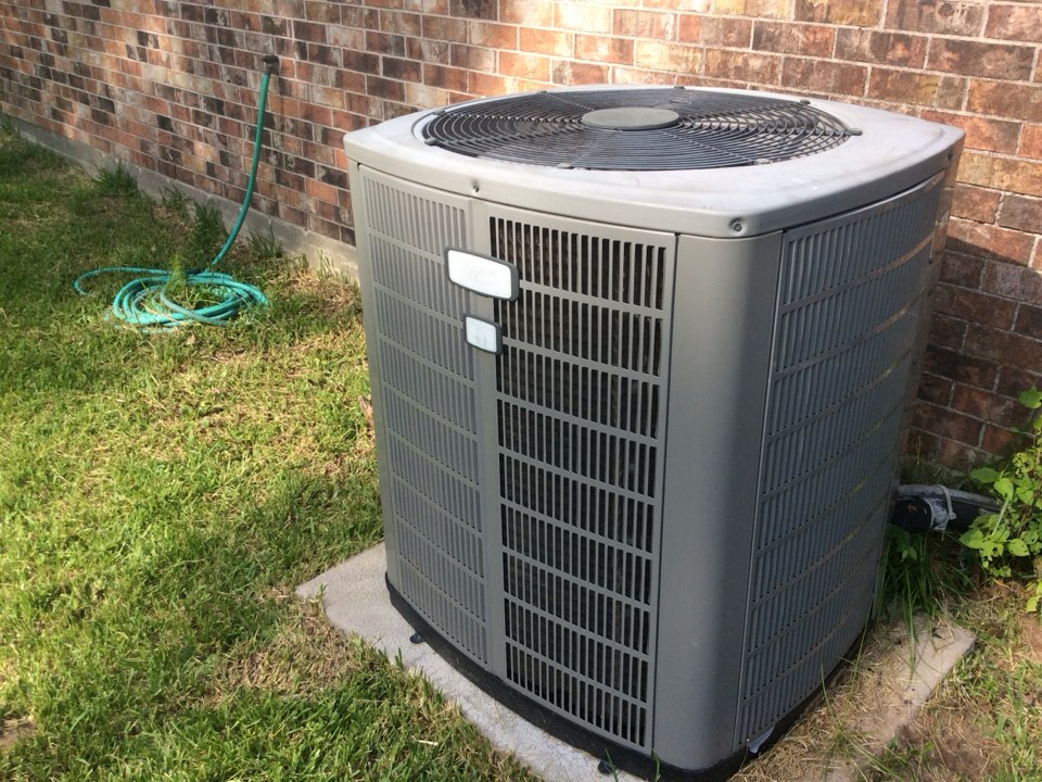 Magnolia, TX - American standard air conditioning replace run capacitor