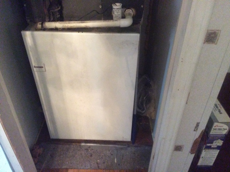 Magnolia, TX - Interterm furnace run capacitor problems replaced run capacitor