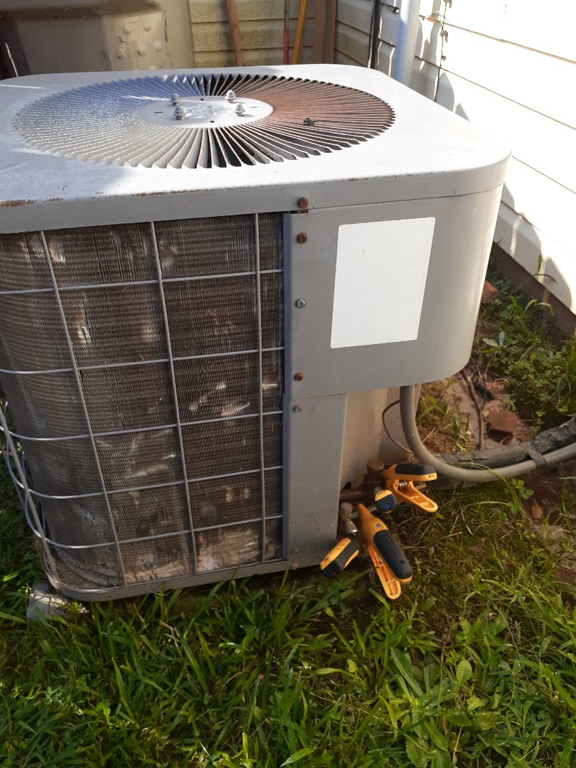 Charlotte, NC - Air conditioning repair on a hot Saturday morning in Charlotte NC.