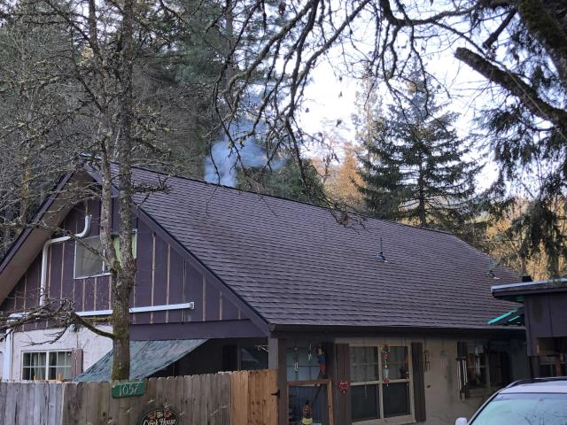 Grants Pass, OR - Just finished installing a new GAF HD Hickory roof for this customer.