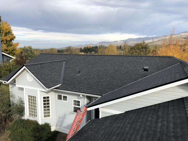 Ashland, OR - Inspection on the most recent Owens Corning Duration roof in the Onyx Black and the Platinum warranty. This roof turned out great.