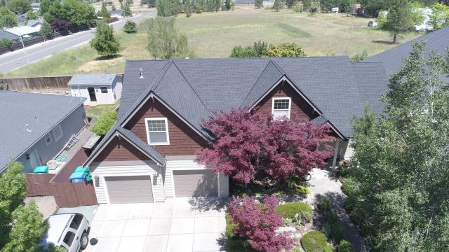 Eagle Point, OR - This customer choose the new GAF Timberline HDZ shingle in the charcoal color. They paired it with the Golden Pledge warranty that will give them peace of mind up on the roof for a long time.