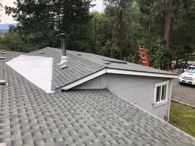, OR - Just finished this fantastic GAF Timberline HD roof in the Slate color. Great roof in a quiet part of the valley