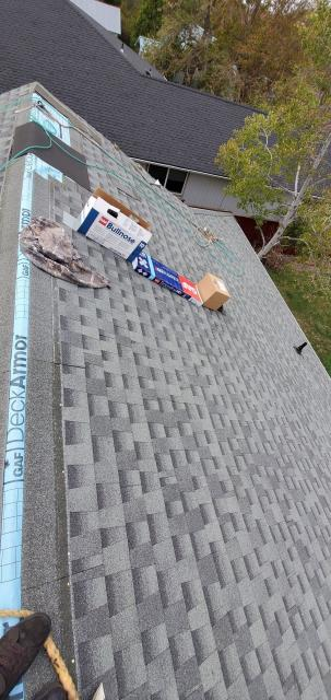 Talent, OR - Installing a new GAF Timberline HDZ roof in the Slate color with the new Timbercrest ridge. Looks Great!