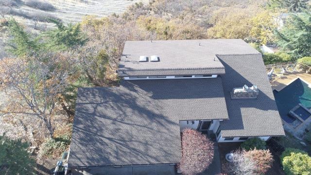 Ashland, OR - Just finished this amazing GAF Timberline HDZ shingle install and registered a Golden Pledge warranty. The view from this was amazing and the new roof made it even better.