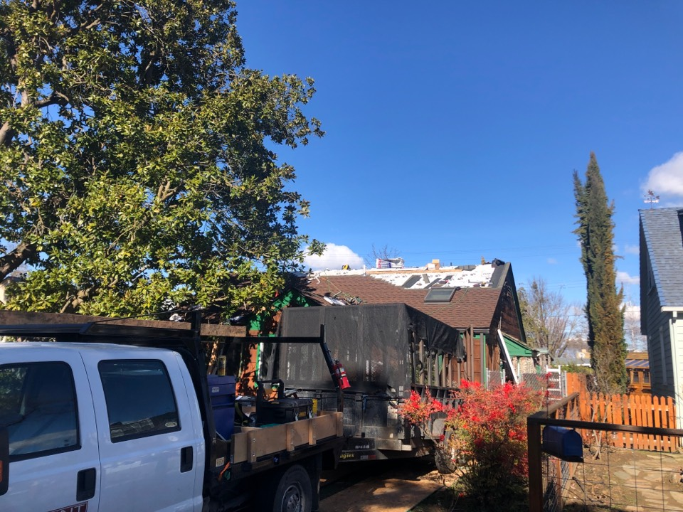 Medford, OR - Installing the GAF Timberline HDZ Shingle in the Hickory color. This was a Shake roof and was ready to be replaced.