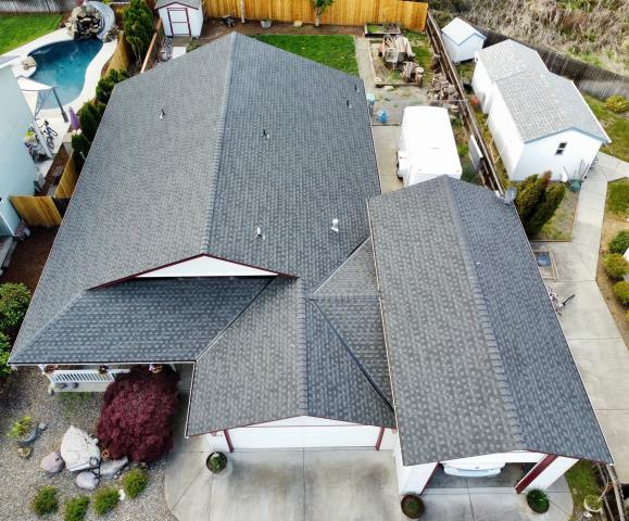 Medford, OR - Another Great GAF Timberline HDZ Shingle Job completed! This customer chose the Charcoal color with the Golden Pledge Warranty.