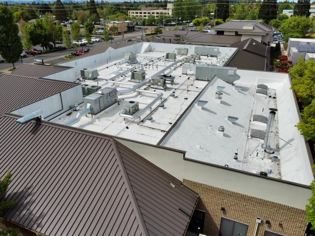 Medford, OR - Our Commercial crew completed this project with Duralast 50 Mil. Dura Tough material and installed (6) New Velux Skylight's.