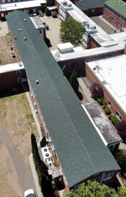 White City, OR - One of Pressure Point's Roofing Residential crews just finished this building.  IKO Dynasty Emerald Green Shingles were applied to this roof to give this building a fresh new look and protect it for years to come.