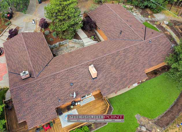 Jacksonville, OR - Our Residential crew removed the old roof from this house and replaced it with GAF Timberline HDZ Shingles in the Hickory Color. #pressurepointroofing #GAF