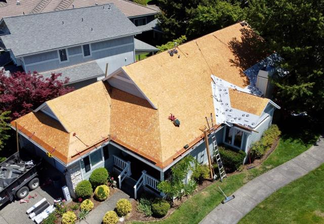 Medford, OR - One of our Residential crew's is in the process of applying GAF Timberline HDZ Shingle's to this House. #pressurepointroofing