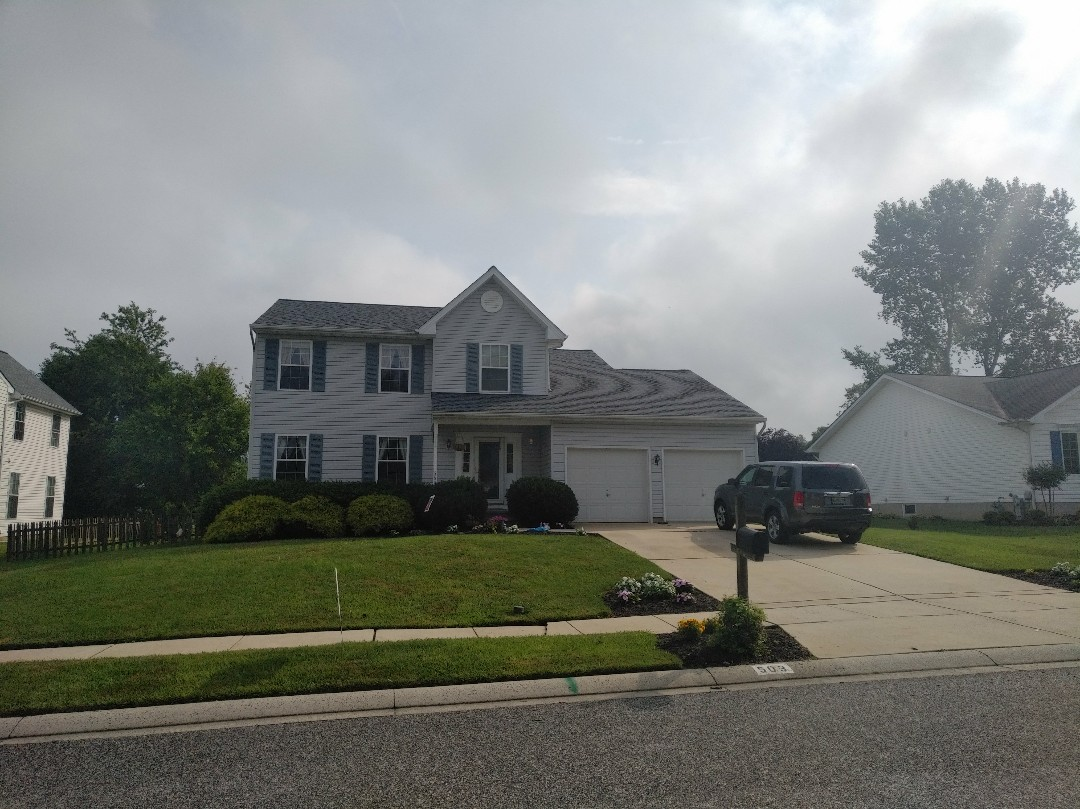 Bel Air, MD - Roof replacement. CertainTeed landmark Granite grey