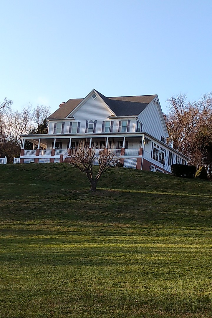 Havre de Grace, MD - Just finished up this beautiful CertainTeed Landmark Georgetown Grey roof replacement.