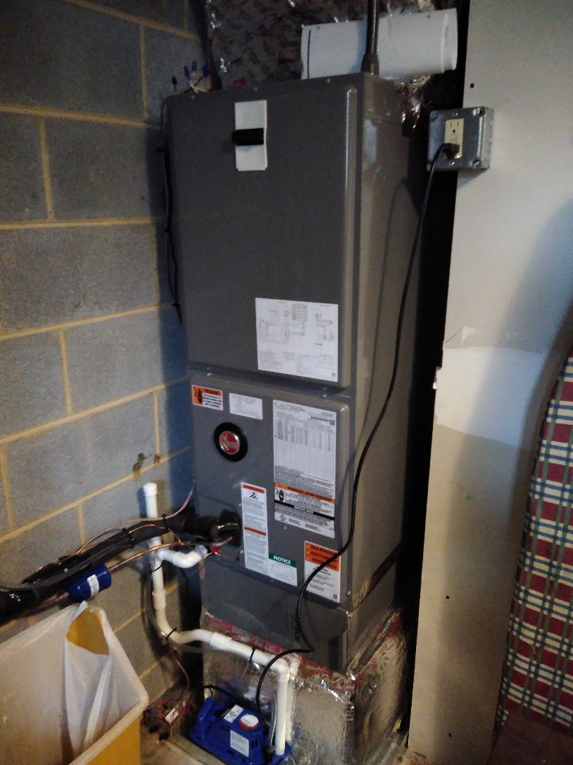 Township of Taylorsville, NC - Installation of a new Rheem heat pump in Hickory.