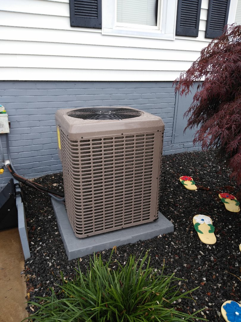 Morganton, NC - Installation of new York heat pump in Morganton.
