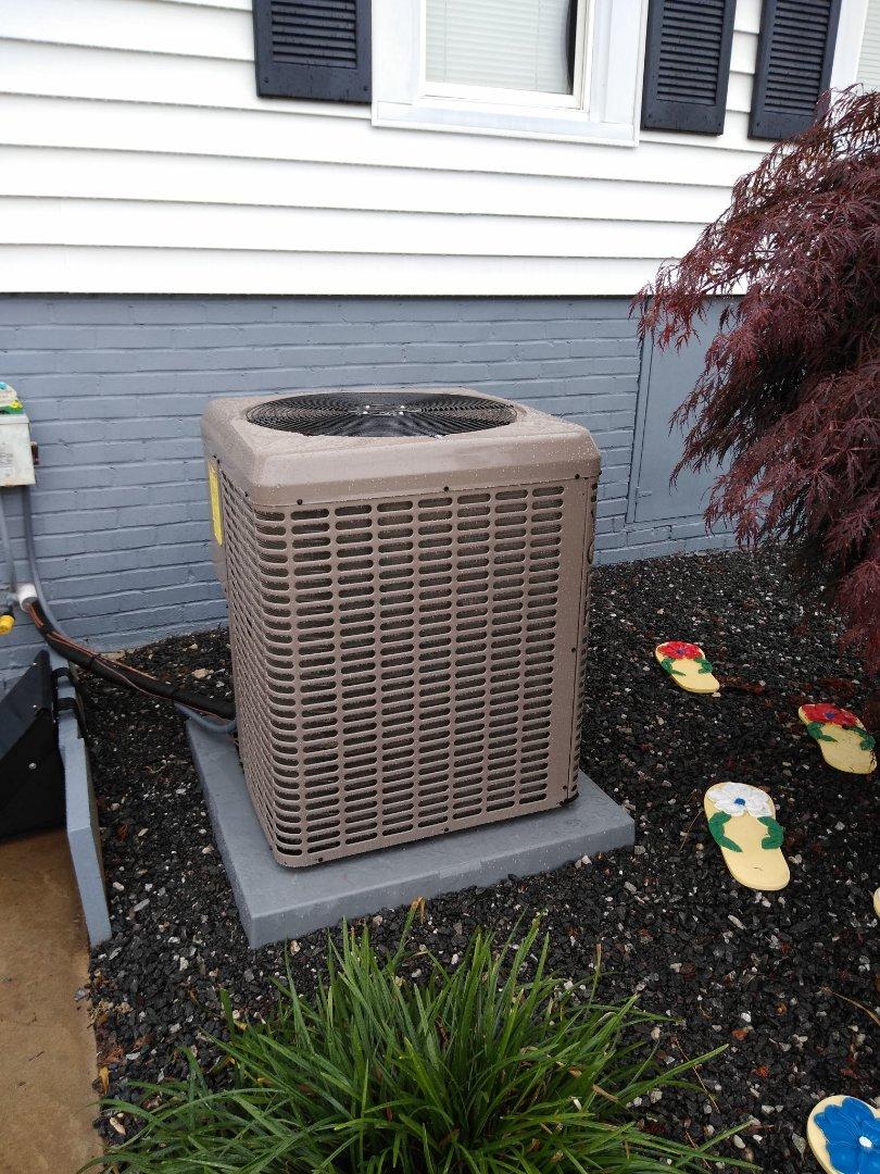 Morganton, NC - Installation of new York heat pump in Morganton.