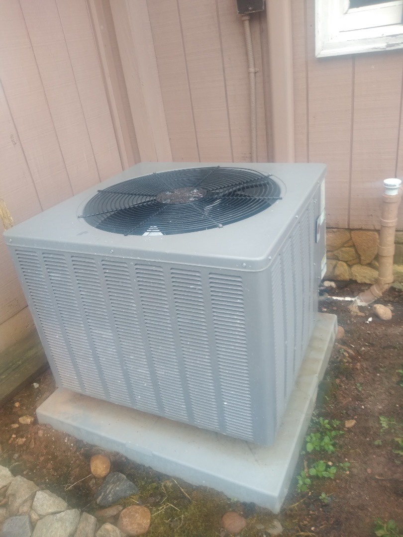Hickory, NC - Performing scheduled maintenance for maintenance proirty plus customer in Northeast Hickory