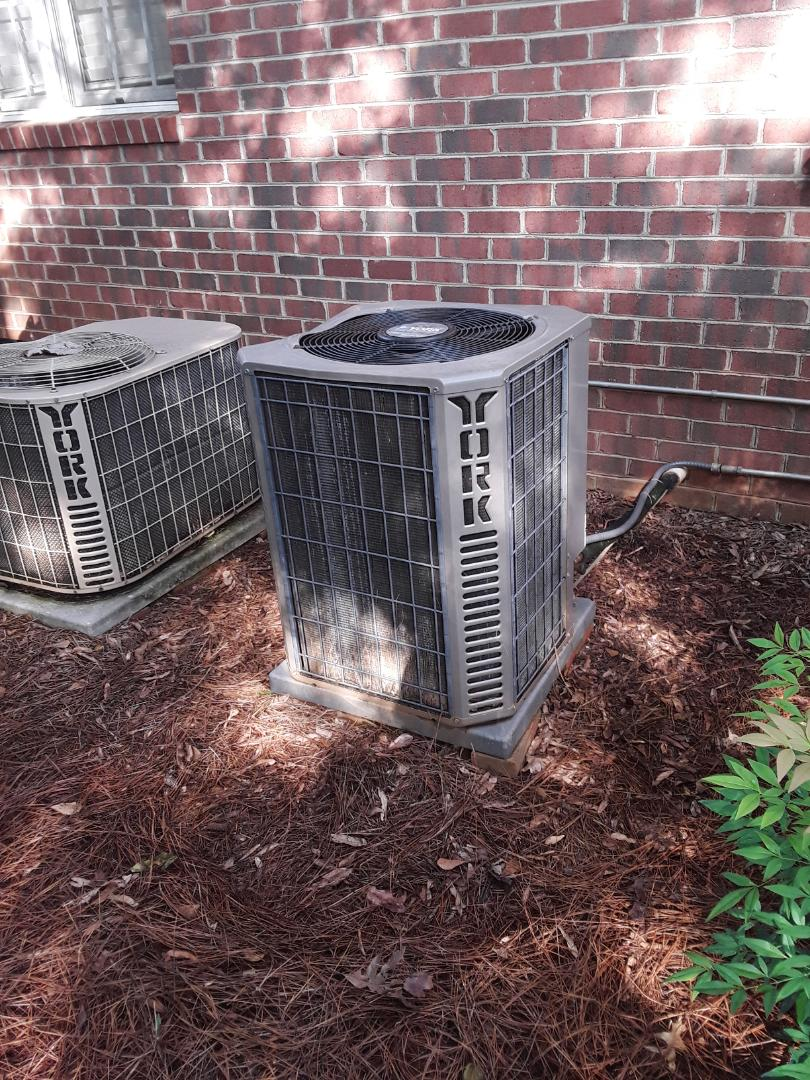 Hickory, NC - Replaced dual run capacitor on main level unit and check refrigerant charge.