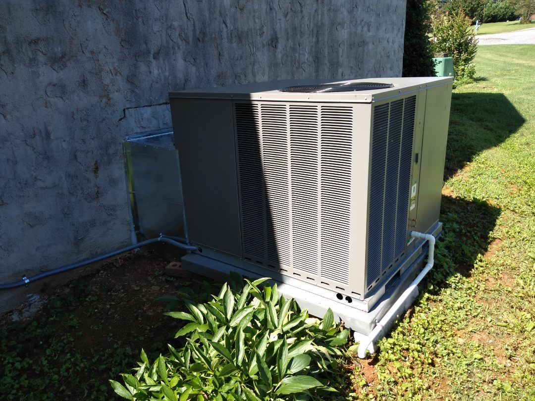 Newton, NC - Follow-up after install of a new package unit.