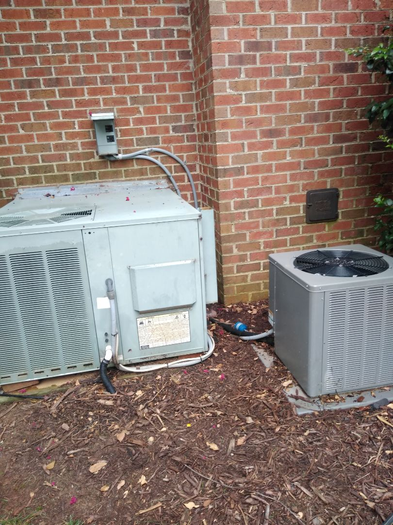 Hickory, NC - Performing scheduled maintenance for a maintenance priority plus customer in the north west Hickory