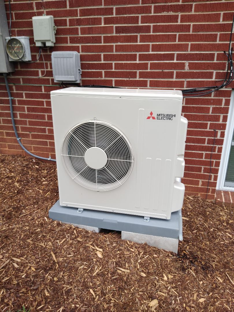 Hickory, NC - Installation of a new Mitsubishi ductless heat pump in Hickory.