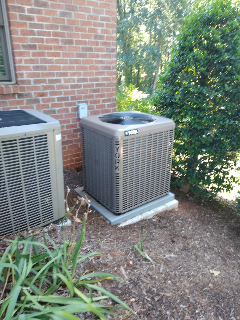 Conover, NC - Installation of a new York heat pump in Conover.