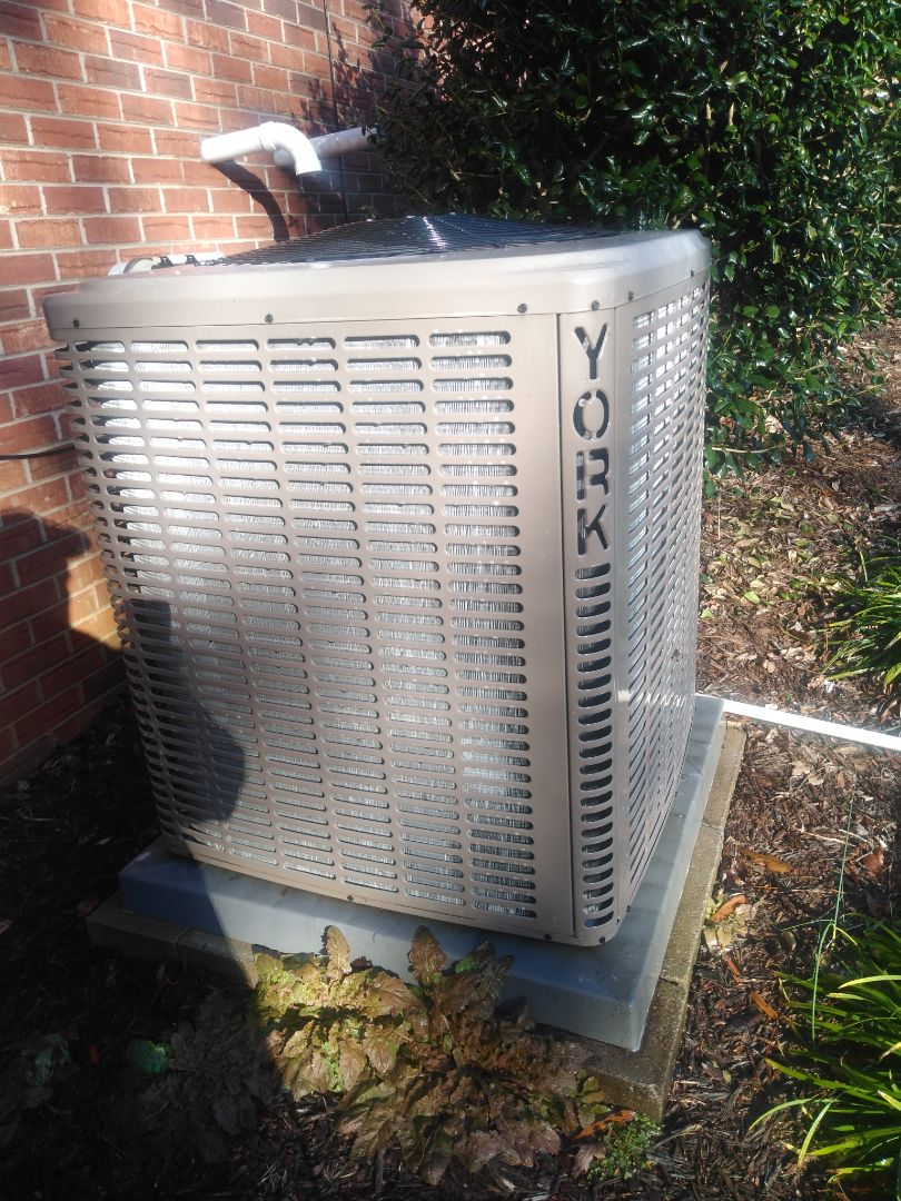 Hickory, NC - Performing scheduled maintenance for a maintenance plus program customer if you want section to Hickory