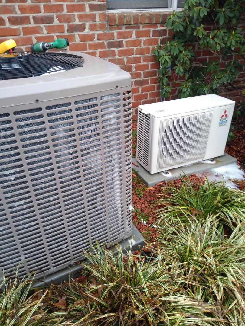 Hickory, NC - Performing scheduled maintenance for a maintenance plus customer in the Mount view section of Hickory