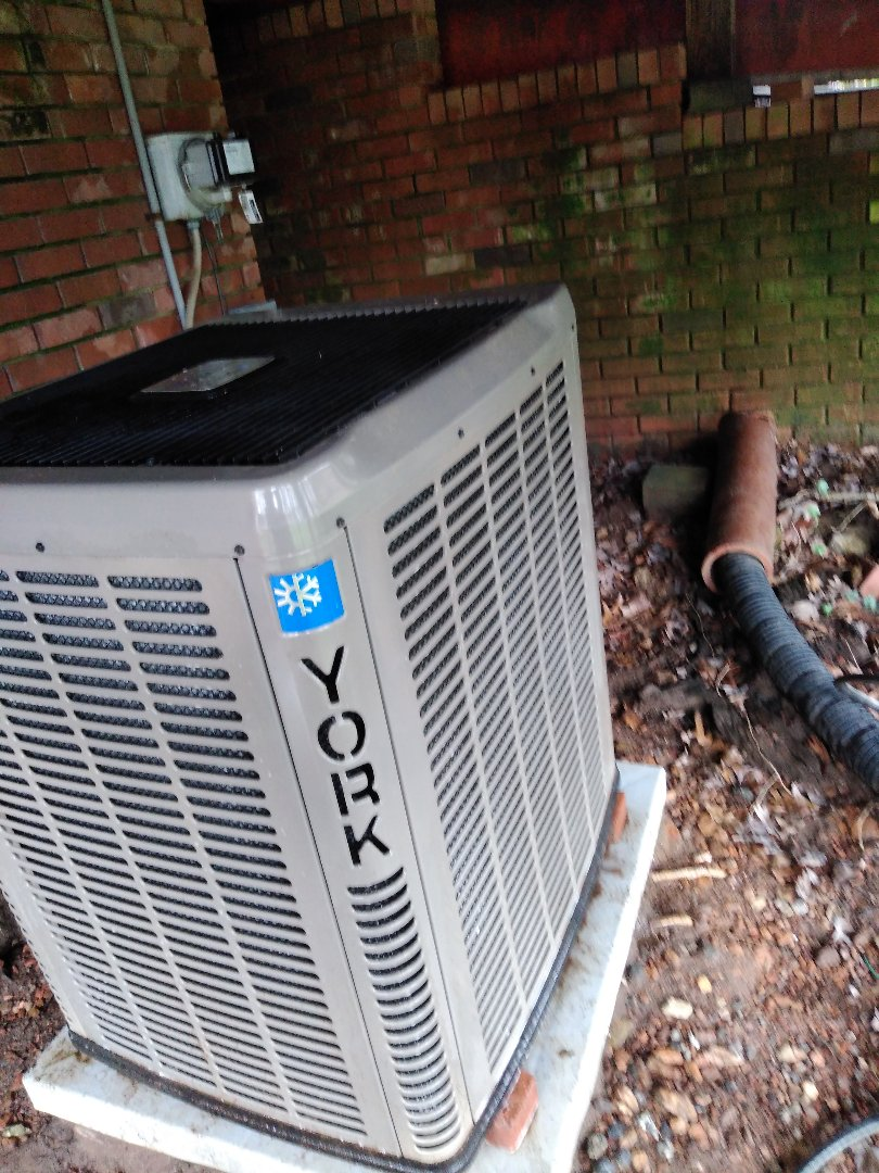 Hickory, NC - Performing scheduled maintenance for maintenance plus program customer in Northwest Hickory