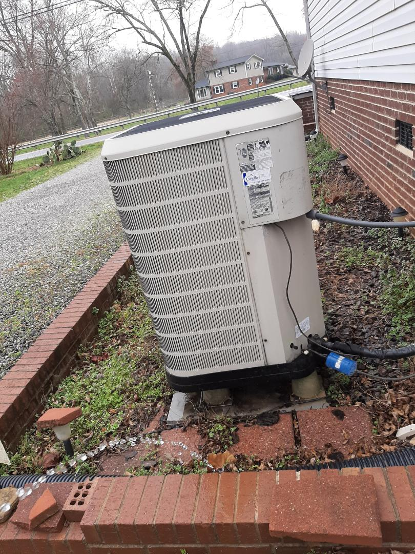Conover, NC - Performing scheduled maintenance for a maintenance plus program customer and conover