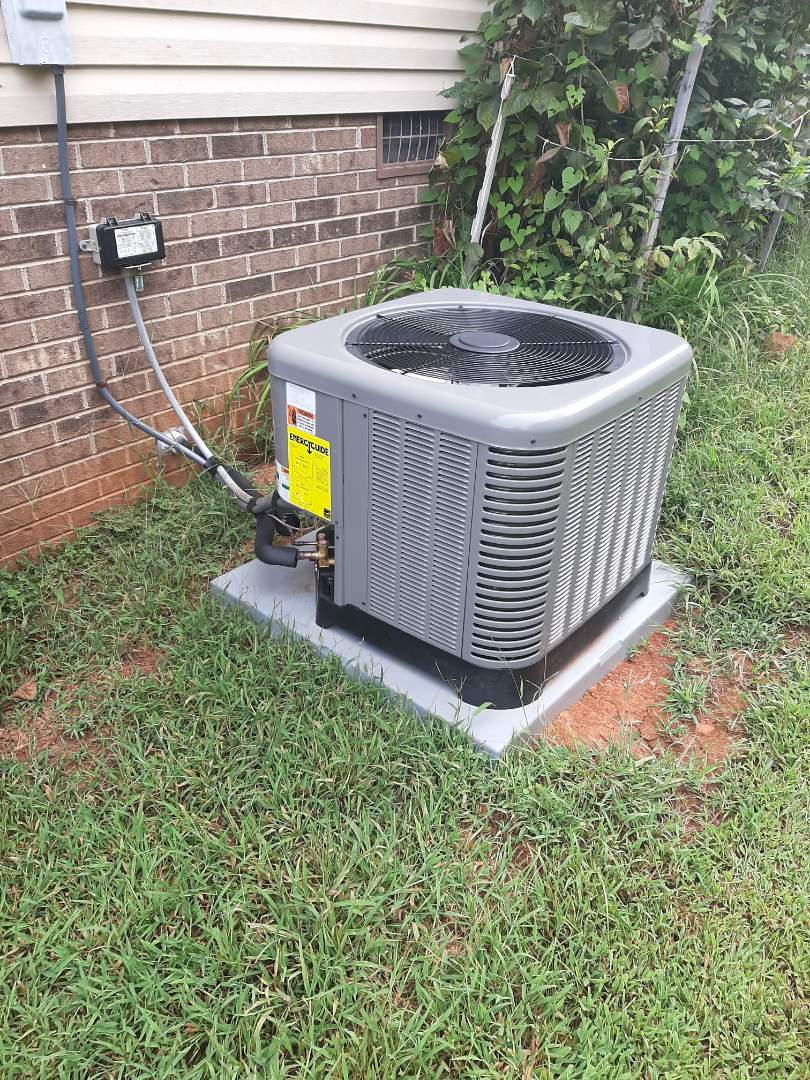 Conover, NC - Installation of a new Ruud heat pump in Conover.