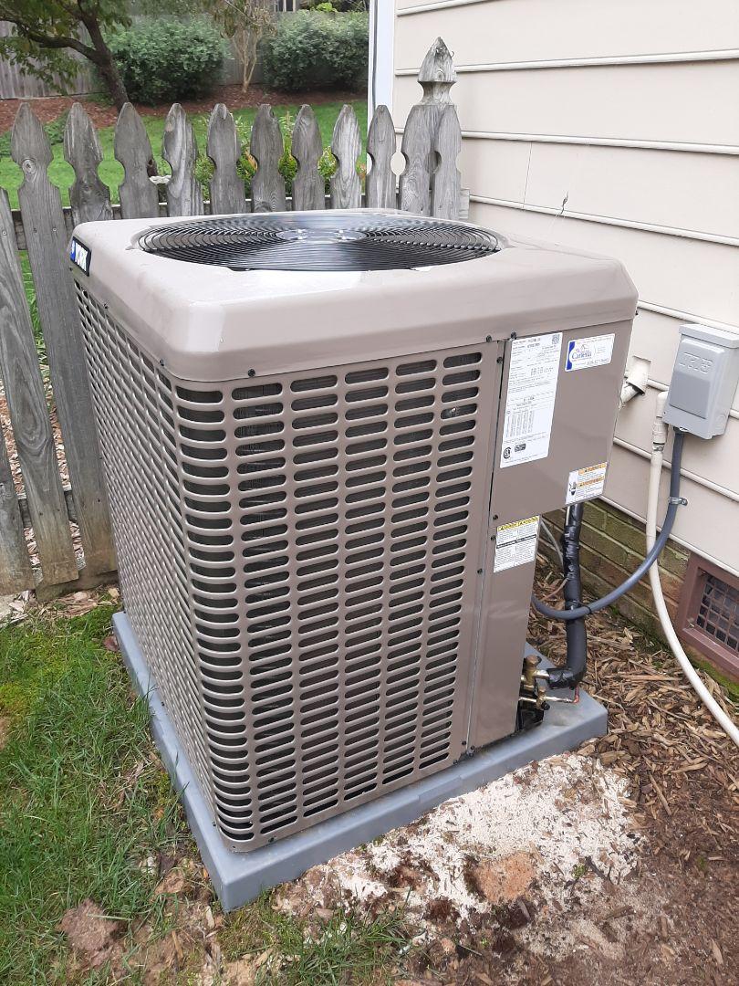 Lenoir, NC - Installation of a York high efficiency heat pump in Lenoir.