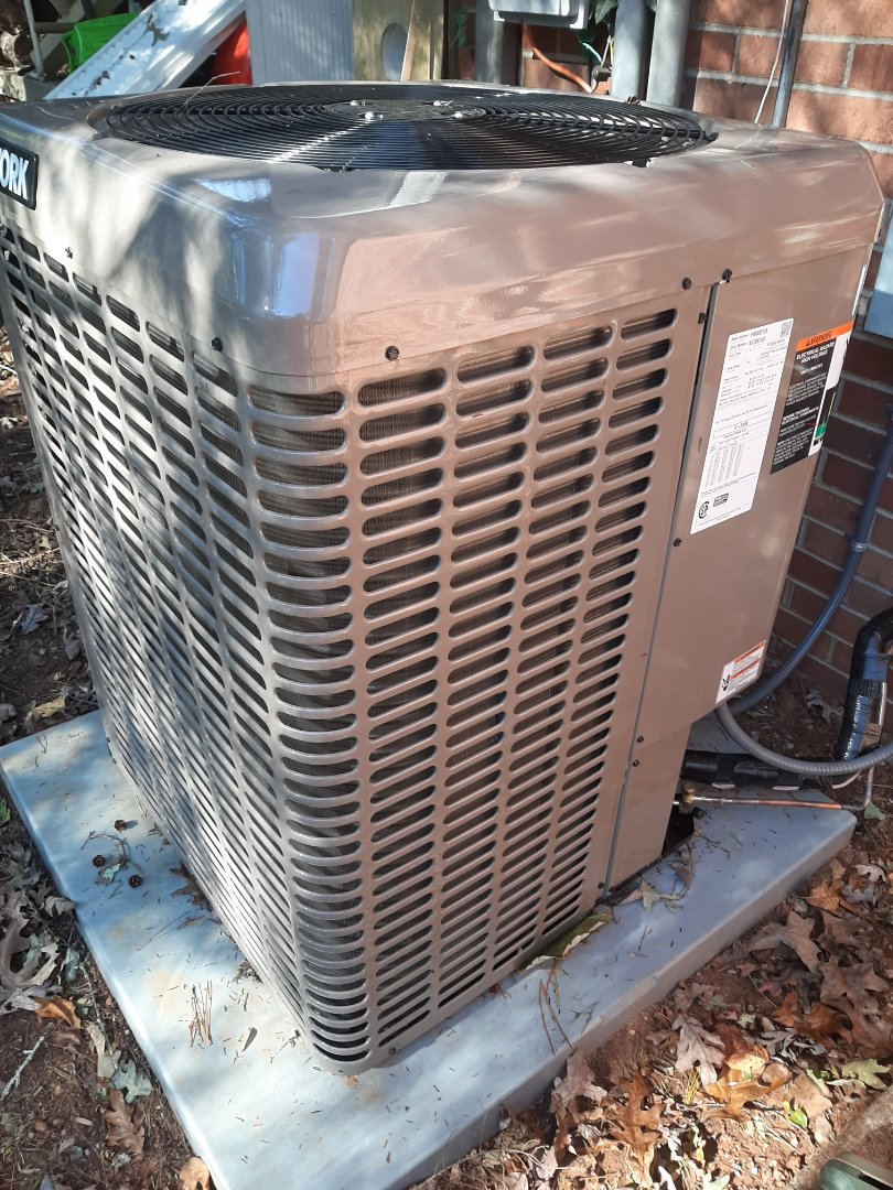 Valdese, NC - Installation of a York high efficiency heat pump in Valdese.