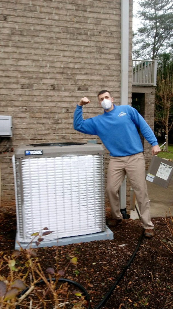 Newton, NC - Thawing this unit to replace a liquid line/coil sensor for one of our maintenance customers
